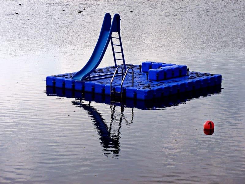 L'utilité d'un ponton flottant dans les travaux sur l'eau