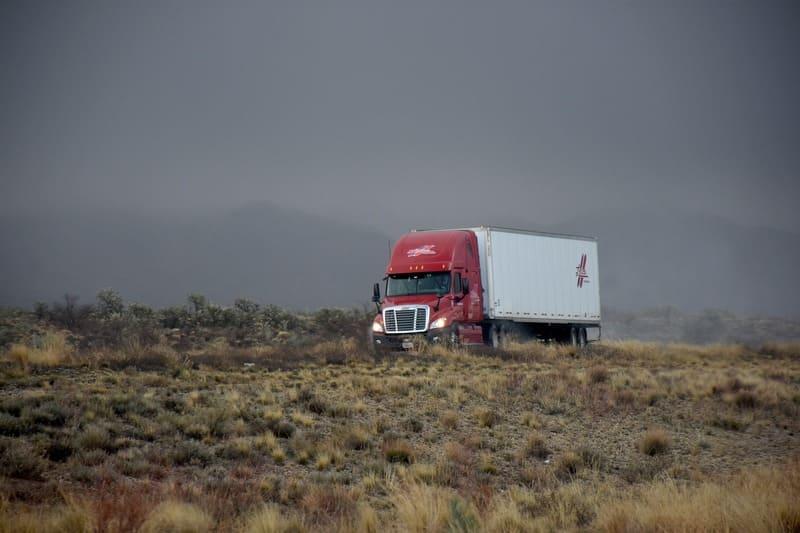 Trouver le bon transport routier pour les personnes et les marchandises