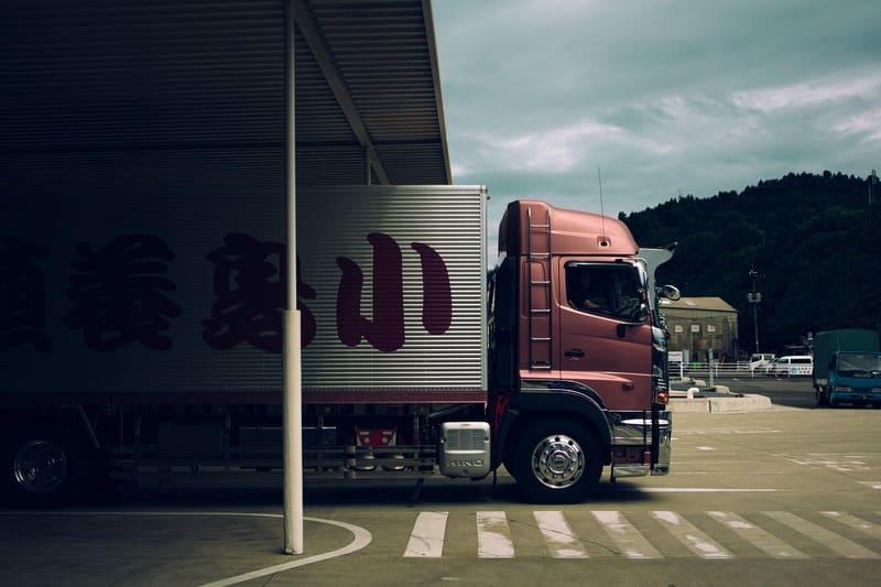 Transport de fret : la suspension de l'écotaxe coûte 1 milliard d'euros à l'État